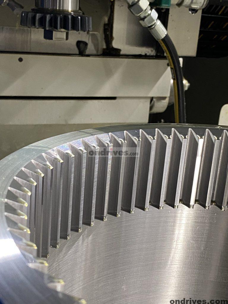 Large Internal Gear Spline Flanged